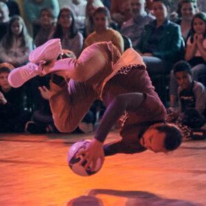 Pioli Barcelona Venezuela Power Moves Breakdance